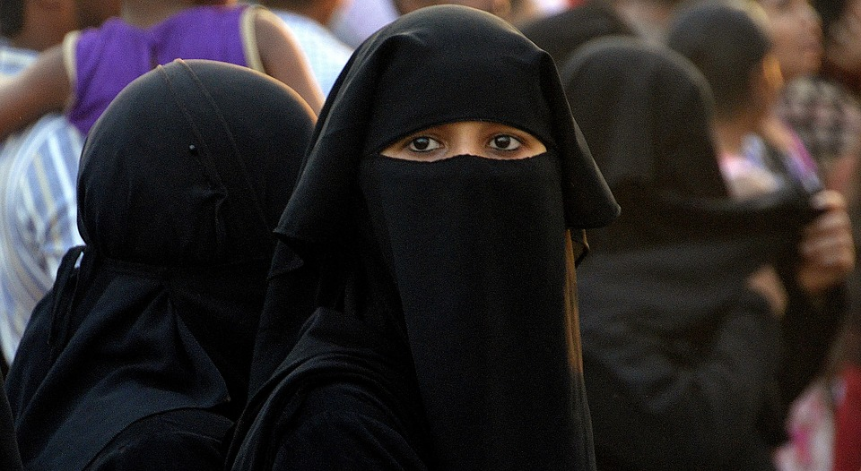 Canadian Province Outlaws Face-Covering Garments in Public