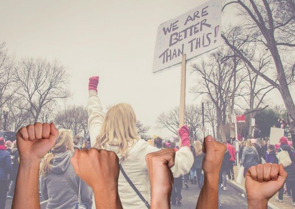 Social Media Stokes Mob Mentality in 3 Astonishing Ways