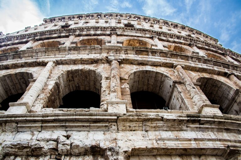 7 Painful Lessons that America Can Learn from the Fall of Rome